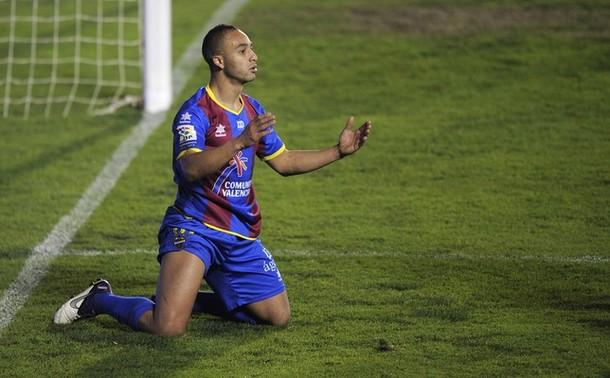 Wigan target Nabil El Zhar