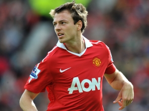 Evans signed new Man Utd contract