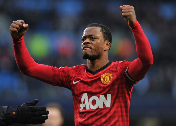 Man Utd set to offer Evra a new deal