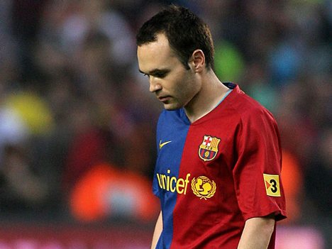 Iniesta sidelined with injury