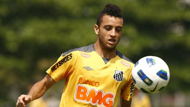 Latest transfer rumours: Lazio approach Santos midfielder Felipe Anderson