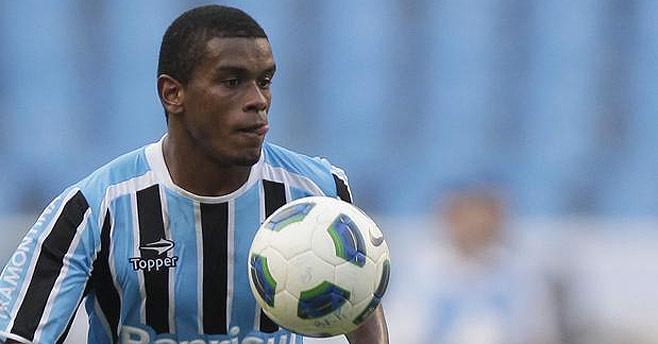 Gremio Fernando keen on Serie A move
