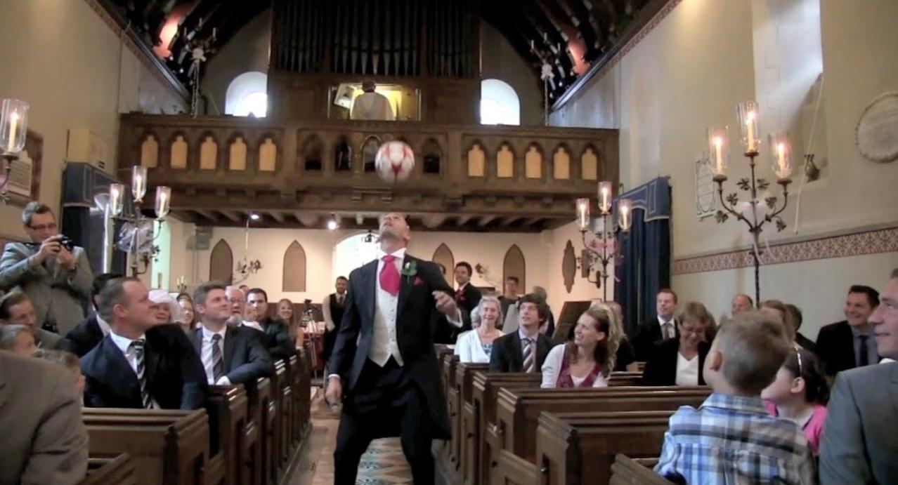 Видео дня. Самая футбольная свадьба