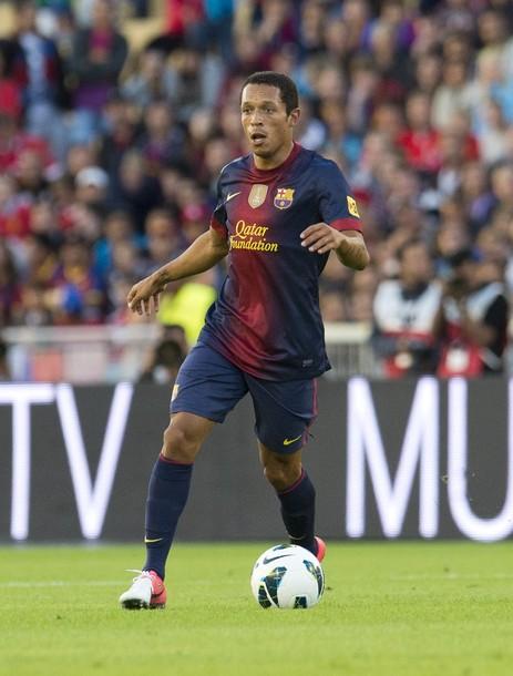 Адриано: «Барселона» готова одолеть «Реал»