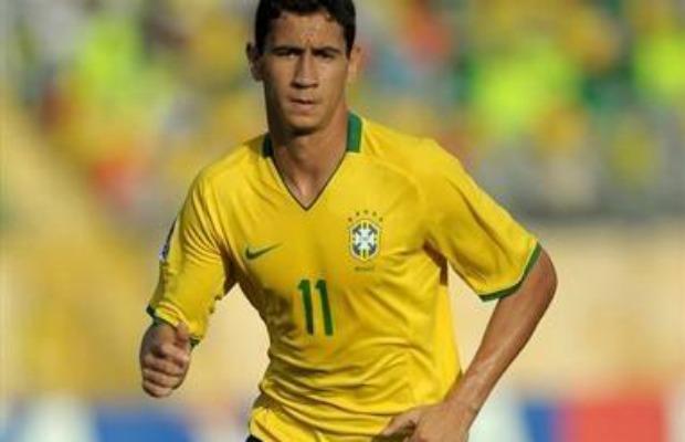 «Тоттенхэм» планирует усилиться в январе 22-летним бразильцем Гансо из «Сантоса»