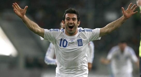 Fulham signed a free agent Giorgos Karagounis
