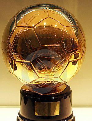 Имена претендентов на «Золотой мяч» объявят 30 октября