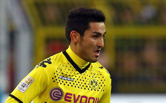 Borussia's Gundogan dreams of playing in England or Spain