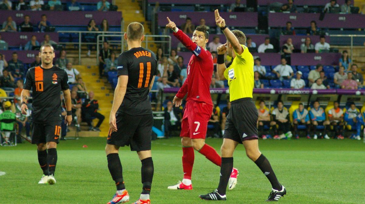 Товарищеские матчи. Португалия — Голландия — 1:1. Хроника событий