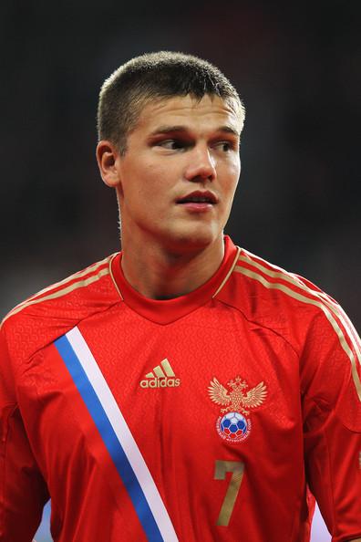 Отправится ли Денисов в один из английских топ-клубов?