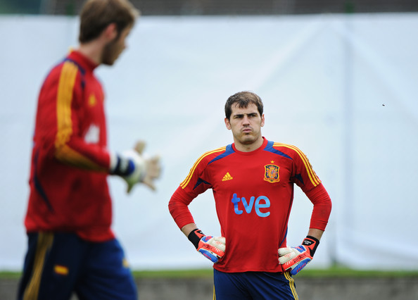 Real Madrid eye De Gea switch