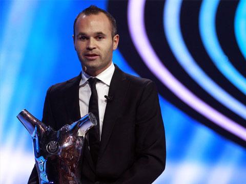 Иньеста — основной претендент на «Золотой мяч»