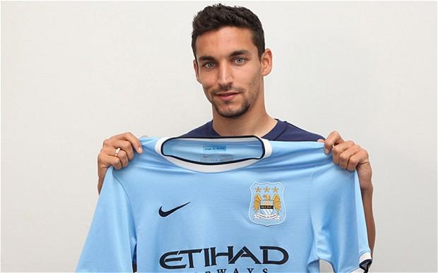 Man City sign Navas from Sevilla