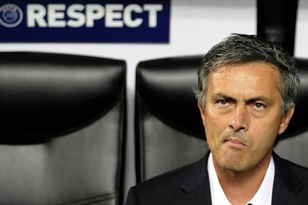 Mourinho opposes the fans