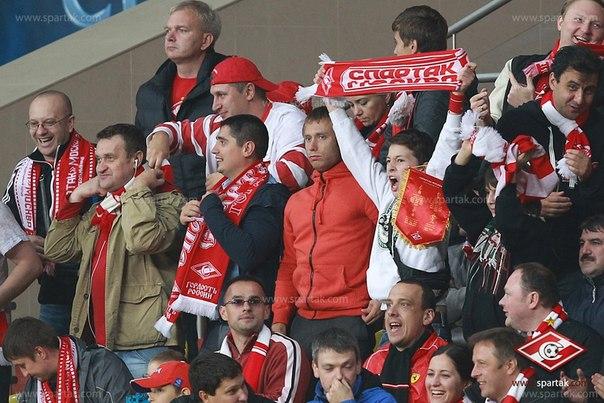 Поклонники «Спартака» не могут купить билеты на матч с «Барселоной»