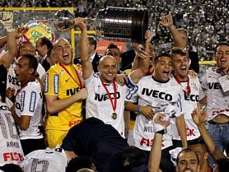 Обладателем Кубка Либертадорес впервые стал бразильский «Коринтианс»