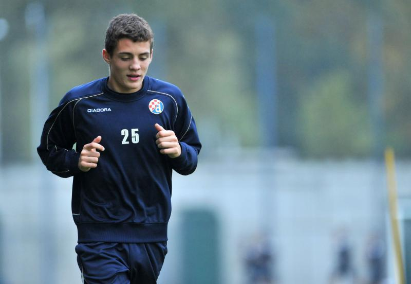 Inter unveils  new forward Mateo Kovacic