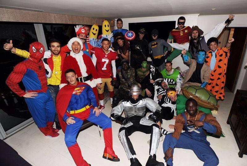 Игроки «Арсенала» устроили фотосессию в рождественских костюмах (ФОТО)