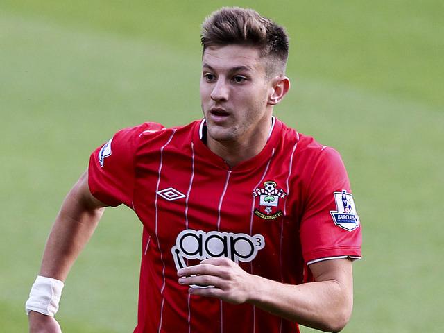 Southampton Lallana pens new deal
