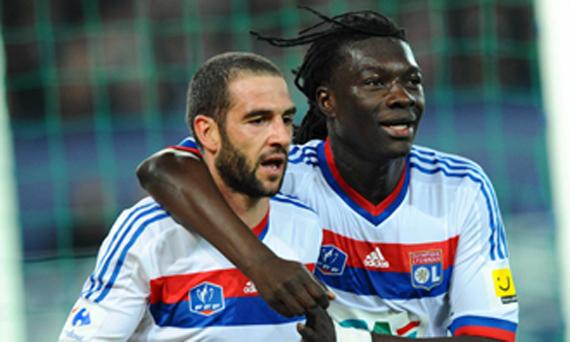 Juventus eye Lyon Gomis, López