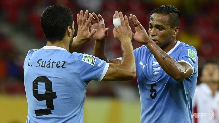 Confederations Cup results: Suarez breaks Uruguay all-time goal scoring record, as La Celeste demolish Tahiti; Spain outplay Nigeria (video highlights)