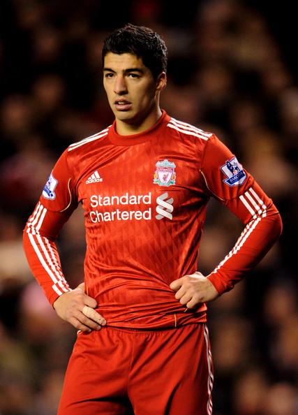 Суарес винит в своей дисквалификации «Манчестер Юнайтед»