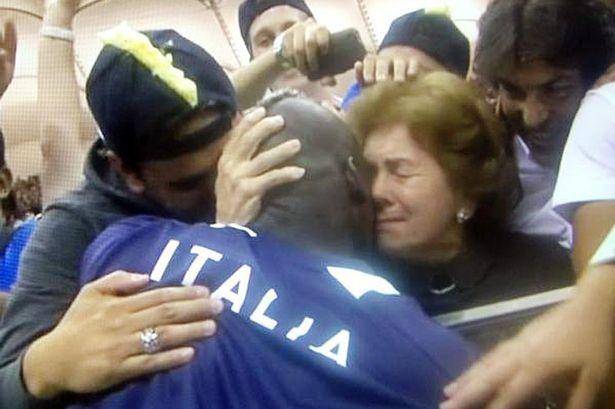 Марио Балотелли посвятил свои голы приемной матери