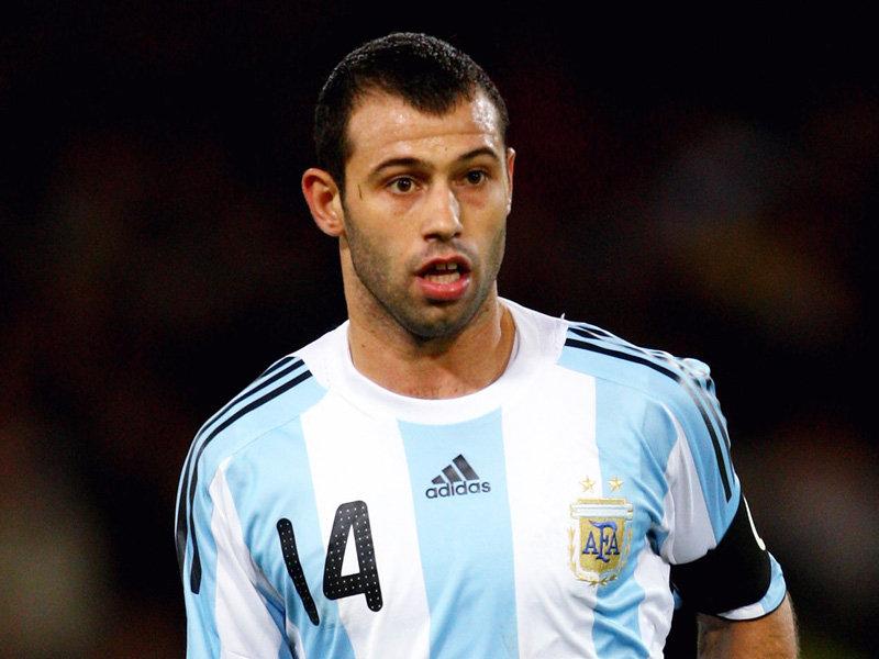 Маскерано продлил контракт с «Барселоной»