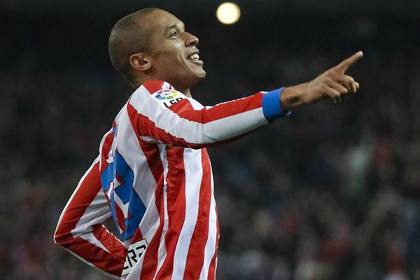 Atletico pens a new deal with Miranda
