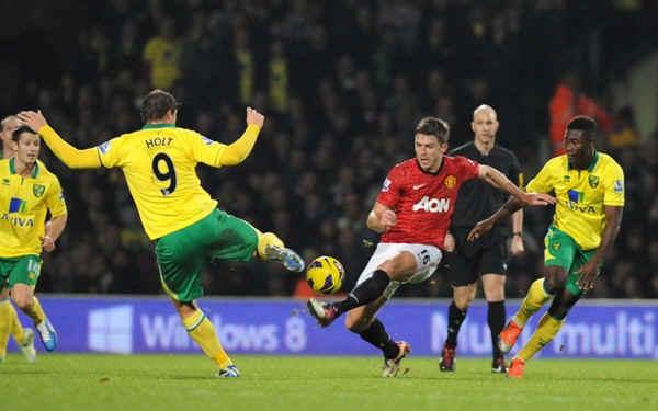 Английская Премьер-лига. 28-й тур. «Манчестер Юнайтед» — «Норвич» — 4:0. «Канарейки» в клетке»