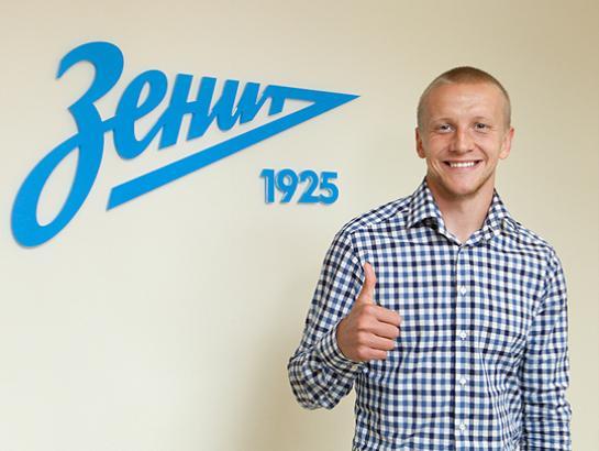 Игорь Смольников будет выступать в «Зените» под 19-м номером
