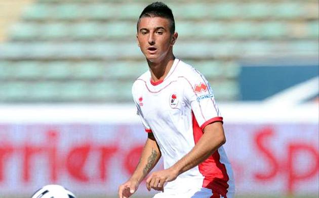 Roma signs Bellomo