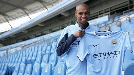 Фернандиньо официально перешел в «Манчестер Сити»
