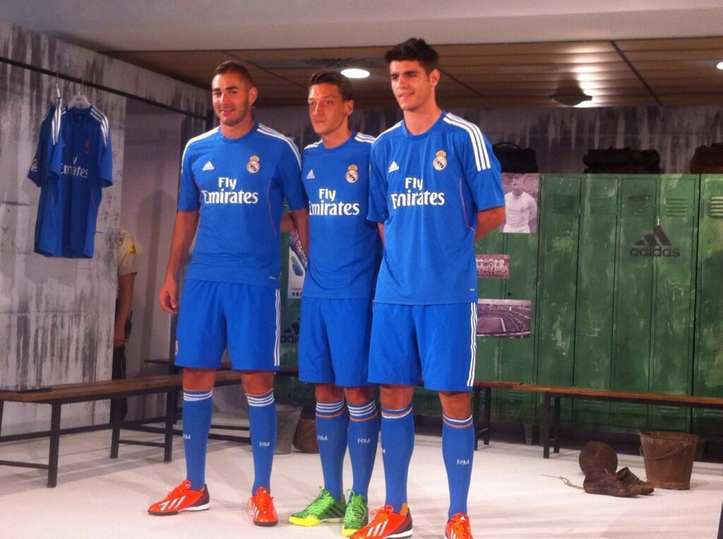 «Реал» презентовал гостевую форму сезона-2013/14 (ФОТО)