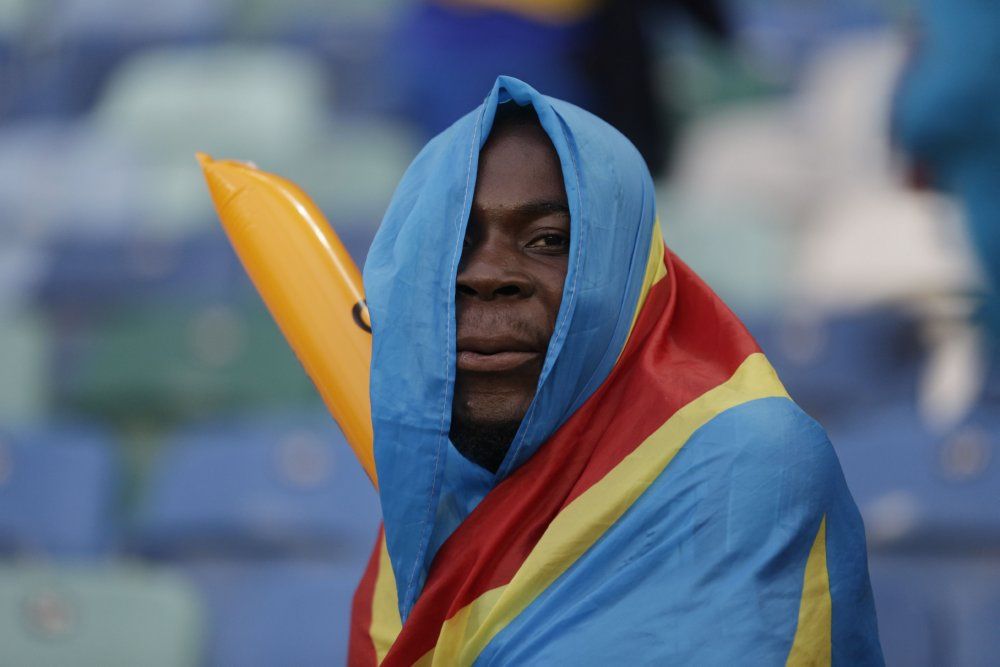 Find the passion: amazing photos of African fans