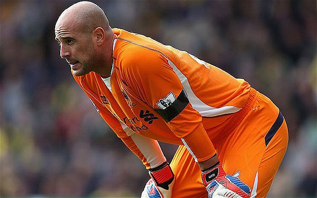 Liverpool Reina happy to stay at the club