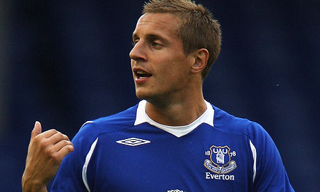 Everton Jagielka set to stay at the club notwithstanding Moyes' exit