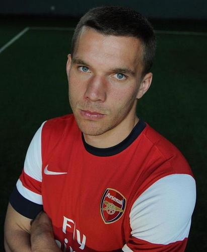 Лукас Подольски считает, что «Арсенал» может победить в Премьер-лиге