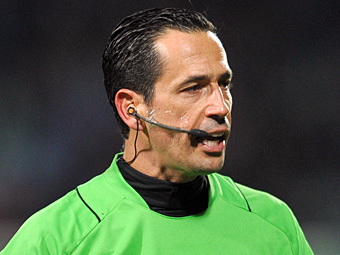 УЕФА назначил Проэнса главным арбитром финального матча