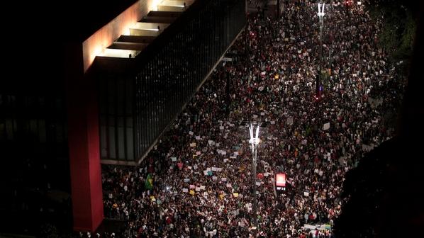 Нью-йоркские бразильцы призвали американцев бойкотировать ЧМ-2014