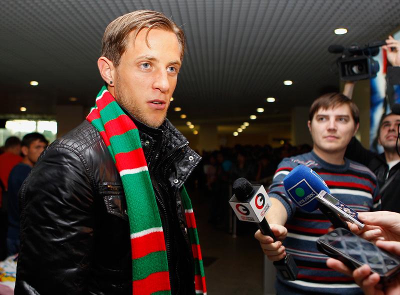Новичок «Локомотива» Рето Циглер прилетел в расположение клуба