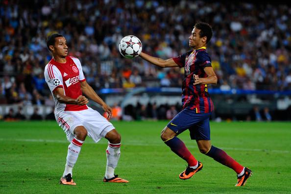 Лига чемпионов-2013/14. «Аякс» — «Барселона». Онлайн-трансляция начнется в 23.45