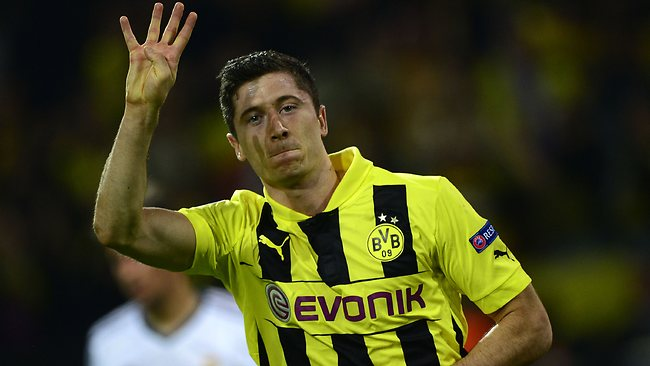 Dortmund general manager: Lewandowski is going nowhere