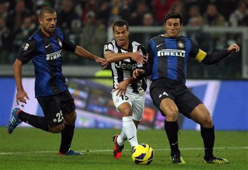 Javier Zanetti, Walter Samuel extended their deals with Inter Milan