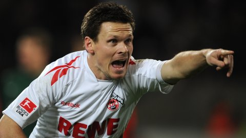 Fulham sign Sascha Riether from Köln