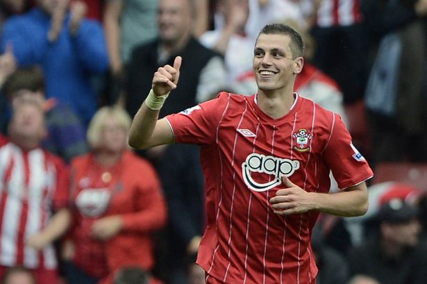 Schneiderlin signed a new Southampton deal