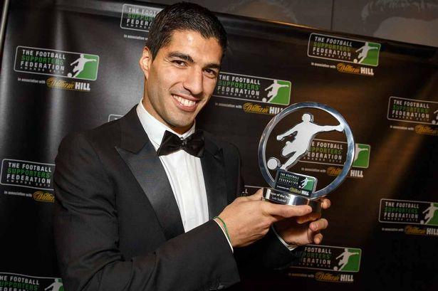 Луис Суарес признан игроком года по версии Ассоциации футбольных болельщиков (ФОТО)