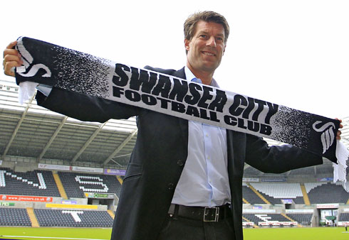 Laudrup extends his deal with Swansea