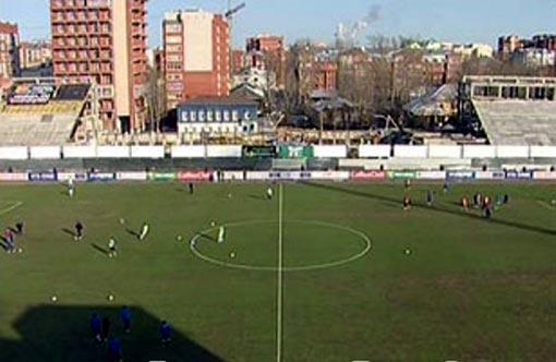 На стадионе «Труд» в Томске дыру на трибуне закроет футбольный баннер (ФОТО)