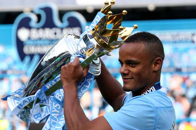 Manchester City sign a new deal with Kompany